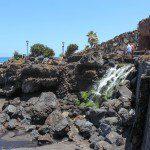 Der Wasserfall am Playa Jardin.
