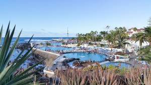Die Costa Martiánez lockt mit ihren Meerwasser-Schwimmbädern die Gäste an.
