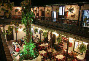 Das älteste Gebäude der Stadt: Innenhof im Rincon del Puerto.